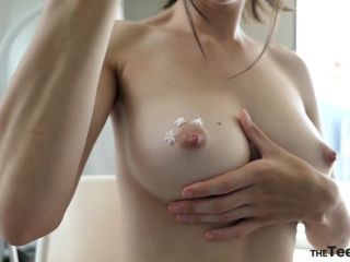 ManyVids  MissAlice_94  Cake Icing BodyPainting Show  Porn Videos,Solo Girl  Release (May 24, 2018)