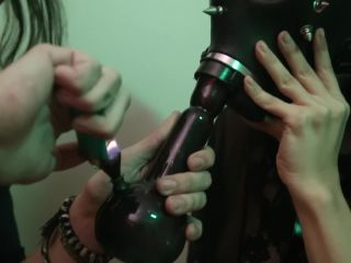Dread Hot - 420 Day¡ two Hot Girls Smoking and Fucking each other