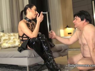Dirtydommes – Dirty Dommes – DEGRADED ASHTRAY WHORE – Miss Nomi