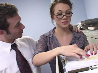 Samantha Sin – Secretary Gets Her Holes Smashed
