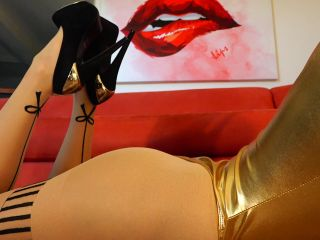Crystal Knight – Golden Ass and Heels Ignore