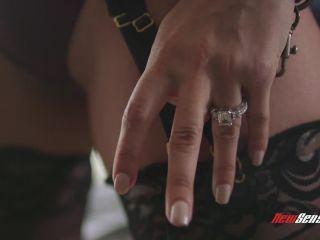 Alix Lovell (Full HD)