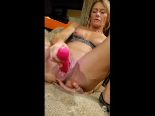 Sexy mature mom fists and toys wildly her pumped cunt!