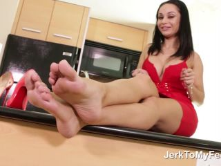 Highly arched feet – Feet On Demand – You Know What To Do