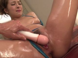 Beauty with sexy forms gets Asian cum on her sweet face