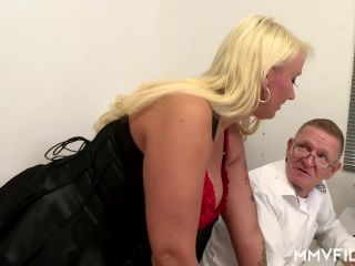 Mature Couple Sexy Busty - Kitty Wilder