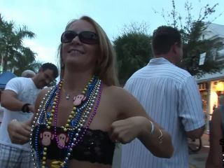 Fantasy fest girls getting wild and crazy for beads