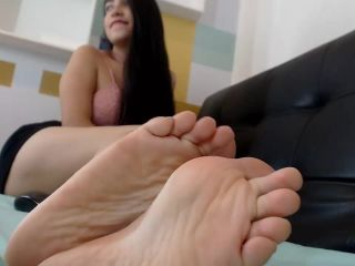 Toes pointing – Gretta G.
