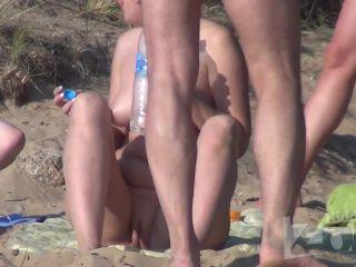 Nude_beach_60