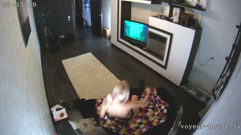 Voyeur-house.tv- Anna bating and doing a little workout after it