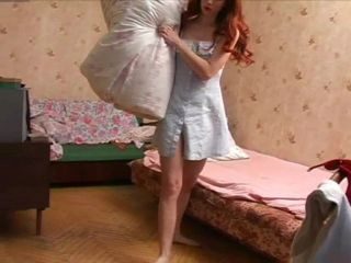 Bare Feet In The City Video - Julia 2005-01-25