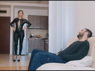 Goddess Natalie – Fattening my piggy for the holidays