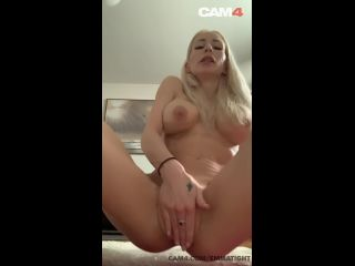 Swedish MILF Plays with her Tight Asshole | CAM4