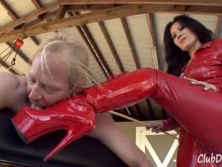 Club Dom – Mistress Caning Helpless Slave