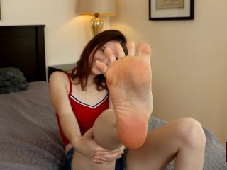 19 Year Old Hazel Moore Gives Great Footjobs! (15.08.19) - 1080p