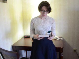 Bettie Bondage – Mind Controlling the English Teacher