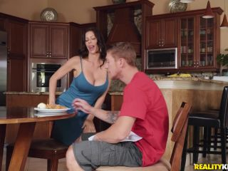 – MomsTeens presents Alexis Fawx in Fountain of Youth: Part 1