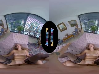 Kinuski Kakku / Gear VR [11.11.2019] [Gear VR] (UltraHD 2K / MP4) | kissing | virtual reality mud fetish