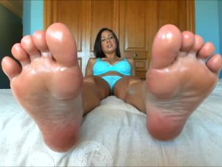 Princess Fierce – You Love Feet More Than Pussy