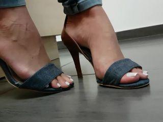 femdom - Jhonn – Womens Feet – WORSHIP OF PAULINHA'S FEET WITH FRENCH TOE NAILS