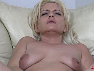 Allover30 presents Kelly Cummings 35 years old Mature Pleasure –