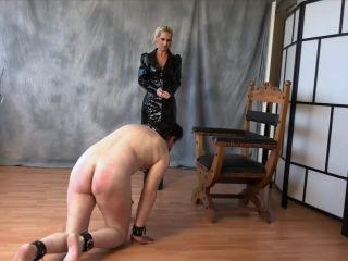 Big Paddle – FEMDOM-POV-CLIPS – The Whipping Contest – Lady Jasmin