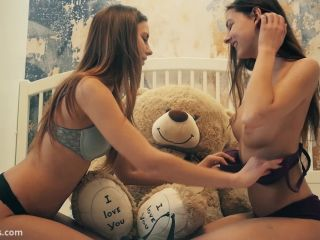 Girl Plushies TV – Lesbians college roommates strapon sex