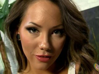 ManoJob presents Ashton Pierce in Fresh Manicure