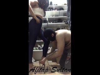 AFITAP SULTAN SHOE CLOSET SLAVE