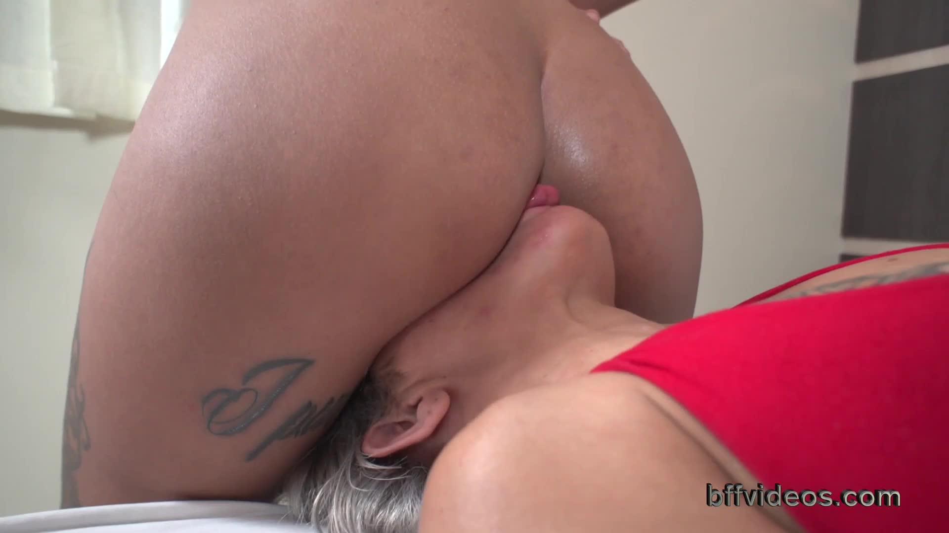 Big Ass Lesbian Facefuck