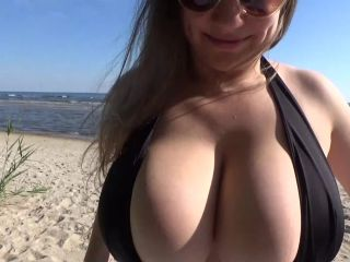 Samantha Public beach boob massage FullHD