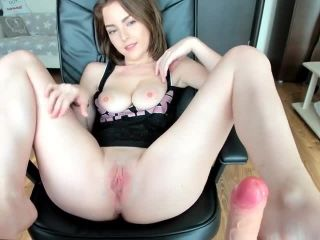 Anna Kendrick Pouns Her Tender Pussy with A Huge Dildo and Hitachi Por ...