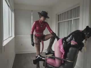 Stella Liberty – Strapon Caning for Candi Cumdump