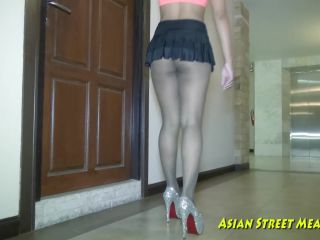 Porn Sweet and obedient asian floor cleaner