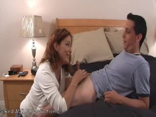 MILF172.1 - Aunt Julia Cums For A Visit