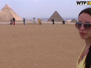 Hot travel sex movie from Egypt Day 4 Blowjob near the pyramids