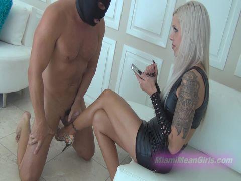 Goddess Nina Elle - Leg Humping Cuckold (1080p)