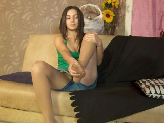 Gretta in shorts and lly pantyhose foot tease