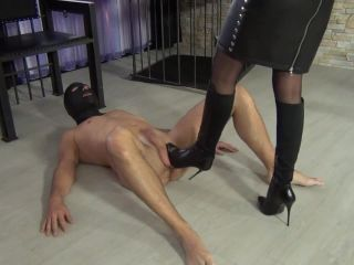 Training of the boot and leather fetishist Part 2.