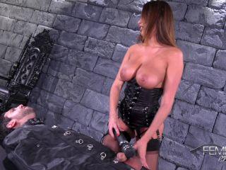 Anissa Kate in Vibrator Penis Milking