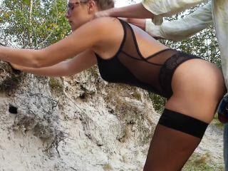 Victoria Peter - Outdoor im Body und Nylons, geleckt und gebumst