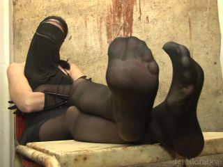 Online tube Femdombeauties - Lady Aisha - Nylon Feet Wet And Dirty - Footworship