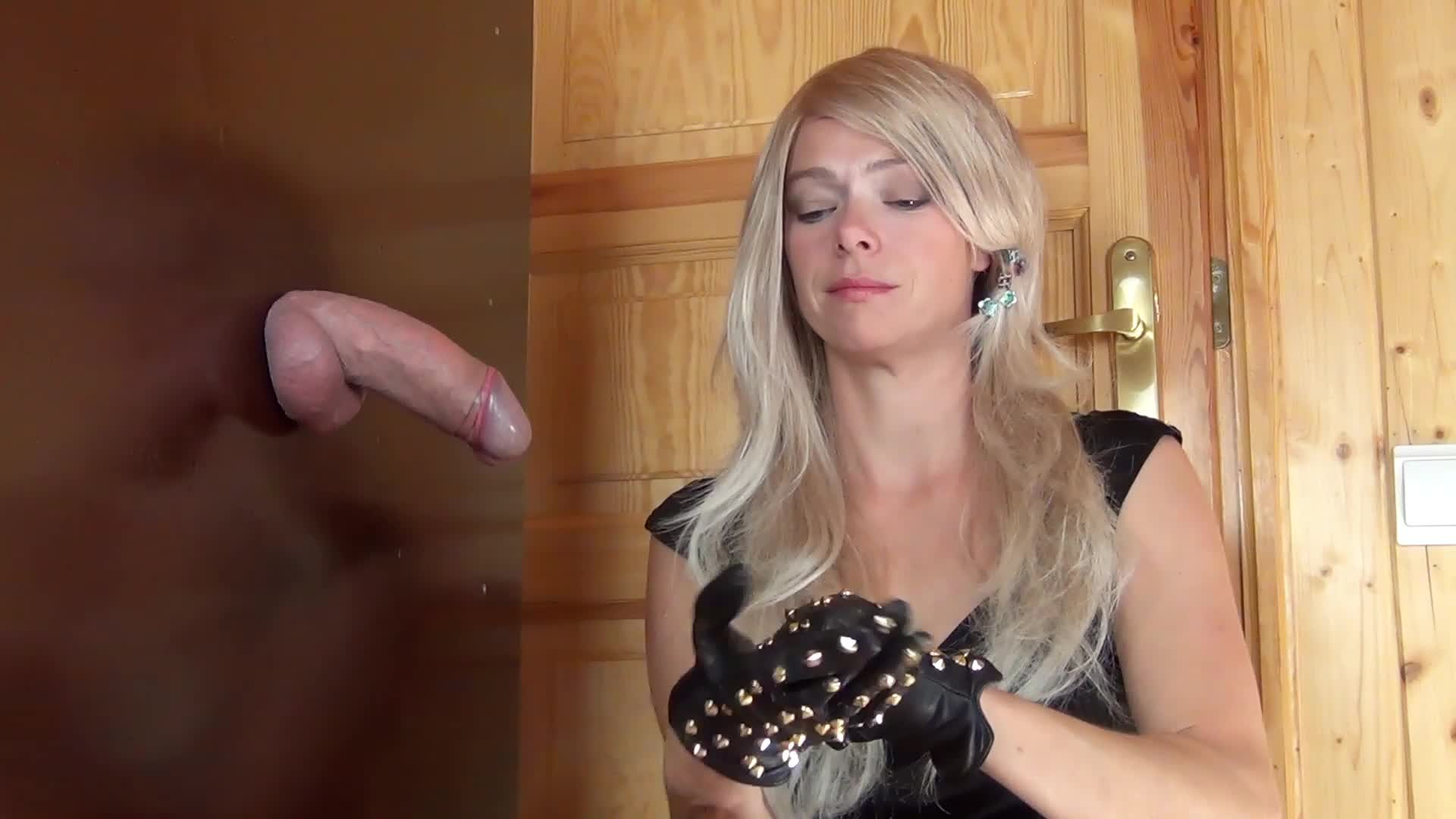 Amateur Foot Smelling Handjob