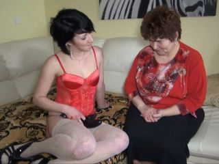 Amateur videos with grannies and mature women