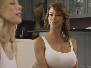 SweetHeartVideo presents Carter Cruise, Alexis Fawx in DONT QUIT THE SQUAD! –