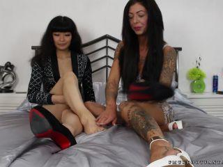 Toes fetish – Kat, Leanne