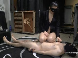 Foot Licking – Mistress Gaia – The slave has to implore for mercy