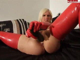 Lucinda Fucks Pussy Arse with Cucumber Wearing Latex - lucindalovitt