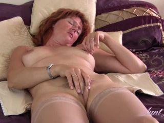 Liddy's Morning Masturbation Routine