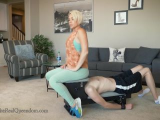 Ass Smothering – The Queendom – Down the Rabbit Hole – Domina Helena